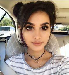 the look -Lia of sssniperwolf Wolf Makeup, Sssniperwolf, Cute Young Girl, Models Makeup, Brunette Girl, Pretty Makeup, All Things Beauty, Most Beautiful Women, Beautiful Beautiful