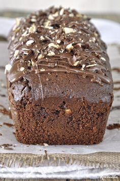 Three ingredient nutella loaf cake (no mixer) Nutella Recipes, Sweets Recipes, Cake Recipes, Chocolate Greek Yogurt, No Bake Oatmeal Bars, Nutella Cake, Greek Desserts, Yogurt Cake, Loaf Cake