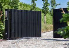 Simple Yet Elegant Modern Landscaping Design Tips – My Best Rock Landscaping Ideas Front Gate Design, Door Gate Design, House Gate Design, Fence Design, Modern Driveway, Modern Fence, Modern Gates, Front Gates, Entrance Gates