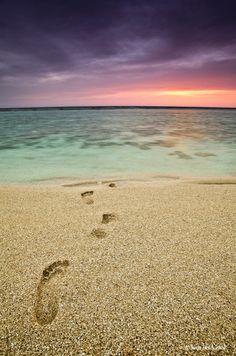 0723138e6b3add Solitude foot print on the sand beach