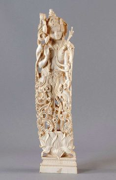 Representation the Indian deity Krishna in beautiful ostafrikanischem ivory. Read more. July 6, 2013 34th Gut Bernstorf Art and Antiques Auction