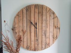 COol Wooden Watches - pallet decor | Pallet Wall Art and Decor Ideas | Pallet Furniture DIY - Who Wooden? Who Wouldn't!