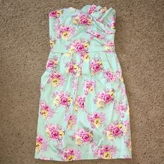 Pastel Floral Seersucker Dress Pastel floral seersucker dress. Super cute! Great condition, only worn a couple of times. ❌No Trade  ✅Bundles OK Dresses Strapless