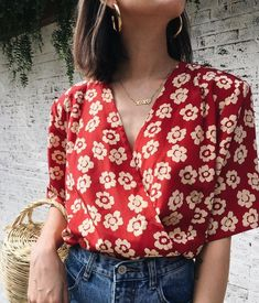 red shirt, outfit ideas, summer outfit ideas, fashionable outfit, fashion inspiration, preppy style, gold necklace, jewelry, summer outfits