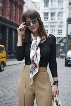 Fashion Mode, Tween Fashion, Womens Fashion For Work, Office Fashion, Work Fashion, Retro Fashion, Fashion Ideas, Ways To Wear A Scarf, How To Wear Scarves