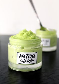This smooth and ultra creamy DIY matcha body butter is a great way to moisturize dry skin this summer! Made with natural antioxidant rich matcha green tea, this DIY matcha body butter is scented with lavender essential oil to help soothe and comfort Diy Cosmetic, Diy Body Butter, Diy Beauté, Moisturizer For Dry Skin, Beauty Care, Beauty Tips, Beauty Hacks, Beauty Products, Beauty Makeup