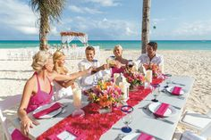 Riu Playacar - Wedding in Playa del Carmen Mexico - All Inclusive hotel - Destination Wedding - Wedding reception at the beach - Themed wedding color pink