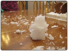 Toddler Activity - Make Your Own Snow 1) Cut open a few unused diapers and pull out the inside absorbent layer. 2) Put it in the container and slowly add water 3) Mix until it becomes snow consistency! For powdery snow use less water, for slushy snow use more water. 4) Add a bit of glitter for some sparkle. (optional)