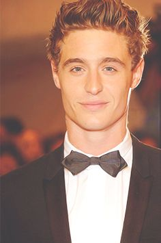 I fell in love with him when he played Henry in Red Riding Hood. <3 forever and always