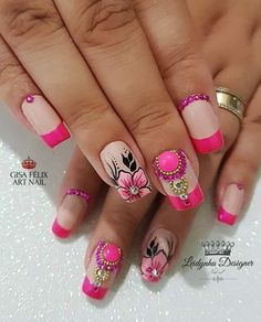 129 Fotos de Unhas com flores Classy Nails, Fancy Nails, Diy Nails, Pretty Nails, Flower Nail Designs, Gel Nail Designs, Cute Spring Nails, Finger Nail Art, Nail Art Stickers