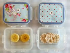 día8 En casa: leche con copos de avena  En la guarde: rodajitas de plátano y mini tortitas de arroz integral