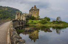 Eilean Donan Castle: Scotland's most famous and photographed castle #travel #vacation #Castle #traveltips