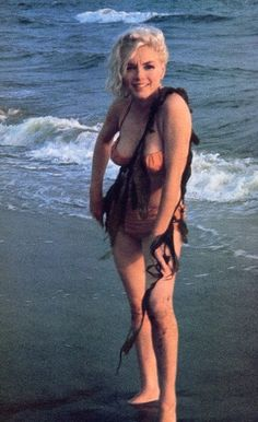 Marilyn at Santa Monica Beach, 1962. Photo by George Barris.