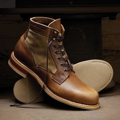 The Whitepine 1000 Mile Boot by Wolverine feature waxed duck canvas panels and Horween Chromexcel.