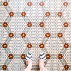 A German photographer posts pictures of floor patterns in different buildings in Paris. Hex Tile, Hexagon Tiles, Mosaic Tiles, Tiling, Floor Patterns, Mosaic Patterns, Tile Design, Pattern Design, Penny Tile Floors