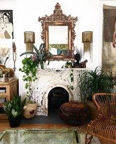 Bohemian Living Room Mirror Chandeliers drip from the painted ceiling of the din. Living Room Mirrors, Cozy Living Rooms, Living Spaces, Bohemian Living, Bohemian Decor, Modern Farmhouse, Estilo Kitsch, Mid-century Modern, Space Interiors