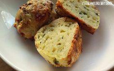 Low Carb Rezept für ein leckere Low-Carb Zucchinibällchen mit Käse. Wenig Kohlenhydrate und einfach zum Nachkochen. Super für Diät/zum Abnehmen.