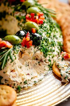 Cheese Ball Wreath with bacon, cheese, chives and onions is a holiday masterpiece! | cafedelites.com Holiday Appetizers, Appetizer Dips, Appetizer Recipes, Holiday Recipes, Christmas Recipes, Dip Recipes, Recipes Dinner, Potato Recipes, Vegetable Recipes