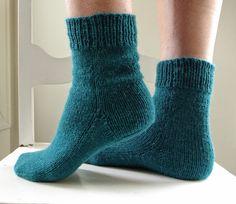 Er 5, Nest, Winter Outfits, Knit Crochet, Ravelry, Socks, Sewing, Knitting, Women