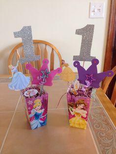 First Birthday Disney Princess Centerpiece. Disney Princess Birthday Party, Princess Theme Party, Cinderella Birthday, 3rd Birthday Parties, 4th Birthday, Birthday Ideas, Princess Birthday Centerpieces, Princess Party Decorations, Embroidery Applique