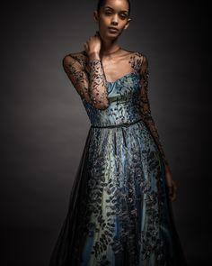 Reem Acra new 💎 Reemacra Style Couture Fashionweek Fashion Trends Dress Beautiful Love Diamonds Cristals Fashionweek Like Beautiful Dresses, Nice Dresses, Formal Dresses, Fashion Outfits, Womens Fashion, Fashion Trends, Reem Acra, Playing Dress Up, Frocks