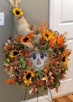 Thanksgiving Mesh Wreath, Fall Mesh Wreaths, Fall Deco Mesh, Deco Mesh Wreaths, Holiday Wreaths, Wreath Fall, Wreath Crafts, Diy Wreath, Wreath Burlap