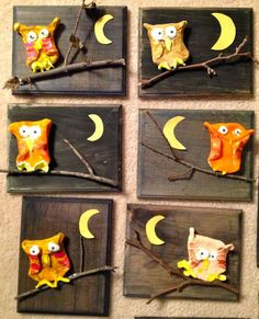 DIY a Owl on a Panel. You need a piece of wood or canvas panel. Some Twigs and a piece of Clay. Make a Clay Circle Fold two sides to form the Owl's body paint the Owl glue everything onto panel Herfst kinder knutsel; DIY een U Clay Owl, Autumn Crafts, Autumn Art, Art For Kids, Crafts For Kids, Kids Diy, First Grade Art, Owl Crafts, Wood Painting Art