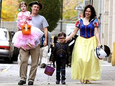 Stepping out in Tribeca for a little candy collection, Daily Show host Jon Stewart, wife Tracey and kids Maggie Rose,… Jon Stewart Stephen Colbert, Love Your Family, Happy Family, The Daily Show, Fathers Love, Hot Actresses, Perfect Man, Celebrity Pictures, Best Quotes