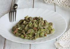 Le orecchiette speck e crema di broccoli sono un primo piatto di pasta facile pratico e veloce. Delicate e saporite, ottime in ogni occasione.