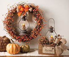 Harvest Box and Wreath from Smicksburg Drying Shed: http://www.thecountryfarmhouse.com/. See more country products such as these in Country Sampler's September 2016 issue: https://www.samplermagazines.com/detail.html?prod_id=200&source=PIN-FP0916.