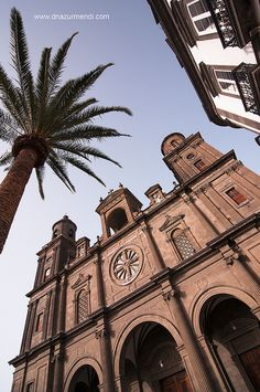 Vegueta, Gran Canaria, Spain http://www.travelandtransitions.com/destinations/destination-advice/europe/outdoor-adventure-gran-canaria/