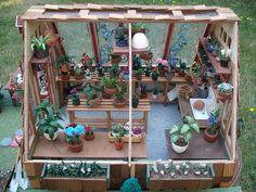macminis´s Bucket/My Dollhouse Greenhouse