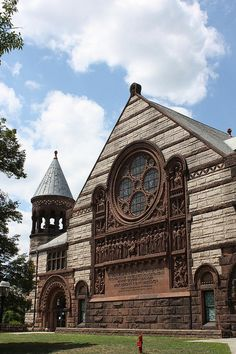 She pays dearly to keep her son enrolled at PU. Alexander Hall at Princeton University College Goals, College Campus, College Life, University Of Pennsylvania, Princeton University, Romanesque Architecture, Church Architecture, University High School, School