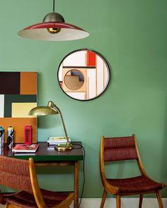 Mid Century Modern Living Room, Mid Century Decor, Living Room Modern, Modern Wall, Interior Wall Colors, Modern Interior Design, Contemporary Interior, Luxury Interior, Midcentury Modern