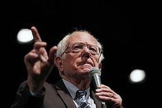 Bernie Sanders has a decision to make about his campaign now that his path to the Democratic presidential nomination has effectively closed and the coronavirus pandemic has thrown into question the timing of future primary elections. Elizabeth Warren, Ronald Reagan, Bernie Sanders, Joe Biden, Donald Trump, Presidente Obama, Us Senate, Fundraising, Corona