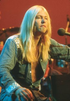 Gregg Allman live in concert with the Allman Brothers Band at Balboa Stadium on October 1975 in San Diego, California. Allman Brothers, Music Icon, 70s Music, Rock Legends, Greggs, Country Boys, I Love Music, Music Artists, 70s Artists