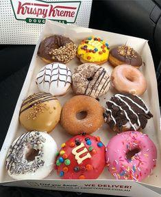 🍩Nutella Ring 🍩Peanut M&M 🍩Reese's 🍩Vanilla Slice 🍩Tiramisu 🍩OG Glazed Krispy Kreme, Delicious Donuts, Yummy Food, Tasty, Köstliche Desserts, Dessert Recipes, Yummy Treats, Sweet Treats, Food Porn