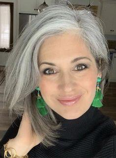 Grey Hair - beautiful gray hair - Beauty Tips and Tricks Grey Hair Don't Care, Long Gray Hair, Silver Grey Hair, Gray Hair Women, Curly Gray Hair, Grey Hair Young, Grey Hair Styles For Women, Purple Hair, Grey Hair Korean