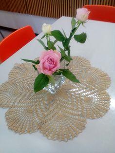Pitsiliina ja kukat Rantasalmen koulun ruokasalissa.😁