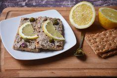 A tonhalkrém szuper dolog, de ha ilyen iramban készítjük, pár év múlva végképp lemondhatunk róla. A jó kis retró sprotnikrém pedig legalább annyira finom!