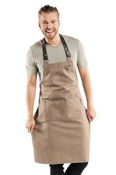 Chaud Devant Delantal Denim y Piel de color beige Forene Mud Denim Food Cart Design, Cafe Design, Cafe Uniform, Barber Shop Decor, Collage Design, Work Looks, Leather Tooling, Barista, Apron