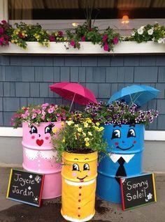 Happy DIY garden ideas with old barrels – Garden Projects Flower Pot Crafts, Flower Pots, Garden Crafts, Garden Projects, Barrel Garden Ideas, Pinterest Diy Crafts, Recycled Garden, Garden Deco, Easy Garden