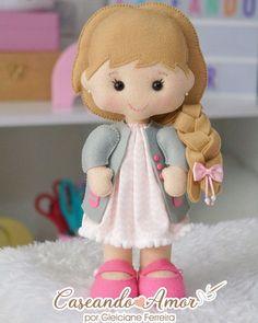 Felt Crafts Dolls, Felt Crafts Diy, Felt Games, Felt Doll Patterns, Felt Puppets, Felt Fairy, Sewing Dolls, Felt Toys, Fabric Dolls