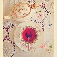 The vintage good life #chintznchina #vintagechina #afternoontea