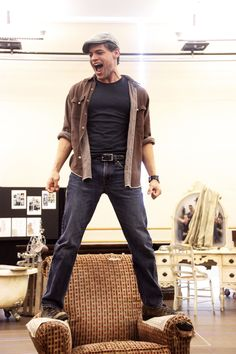 Jeremy Jordan rehearsals for Bonnie & Clyde Theatre Nerds, Music Theater, Broadway Theatre, Musicals Broadway, Bonnie And Clyde Musical, Bonnie Clyde, Handsome Male Models, My Escape, Supergirl