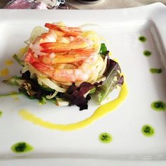 gamberi al vapore con insalata di finocchi all'arancia Gourmet Recipes, Healthy Recipes, Food Decoration, Best Appetizers, Molecular Gastronomy, Antipasto, Food Design, Food Plating, Italian Recipes