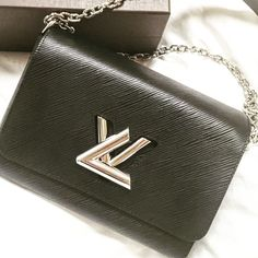 Twist MM LouisVuitton Bag