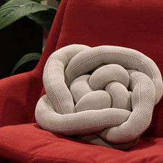 Twisted Knot Pillow