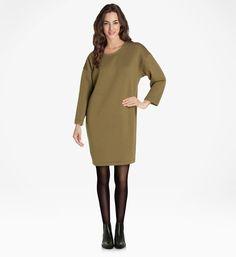 Robe Tubique Galeries Lafayette, High Neck Dress, Sweaters, Dresses, Fashion, Sweater Dress Outfit, Hemline, Long Dress Patterns, Woman
