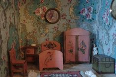 French Dolls house furniture, a rare find!